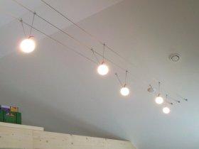 Gleichmäßige Beleuchtung trotz Dachschräge